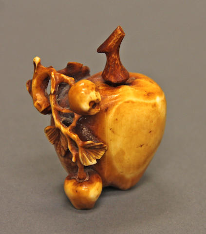 A sepia-washed fruit shaped snuff bottle.