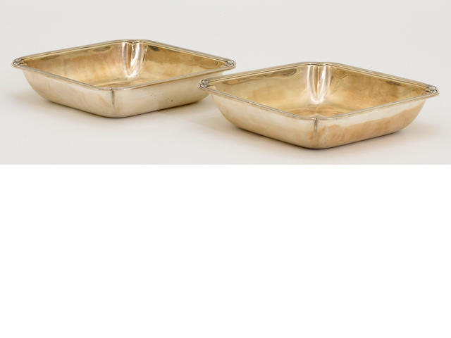 A French 950 standard silver pair of shaped square dishes by Er. Prost, Paris, post 1913