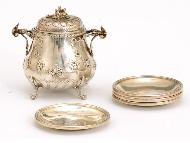 A French 950 standard silver antique reproduction small sugar bowl with cover by P. Fres  (5)