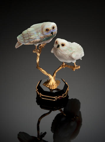 Opal owl carving