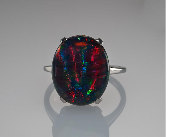 Black Opal and platinum ring, 5.31 cts.