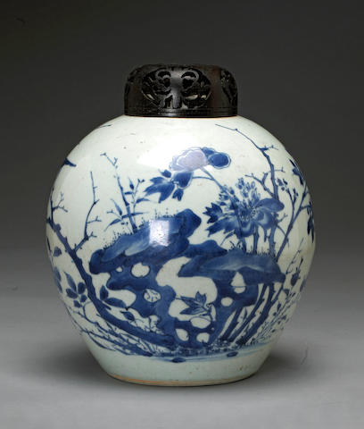 A blue and white porcelain globular jar Transitional period