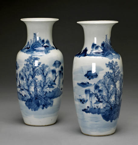 A pair of blue and white porcelain vases with landscape decoration Late Qing dynasty