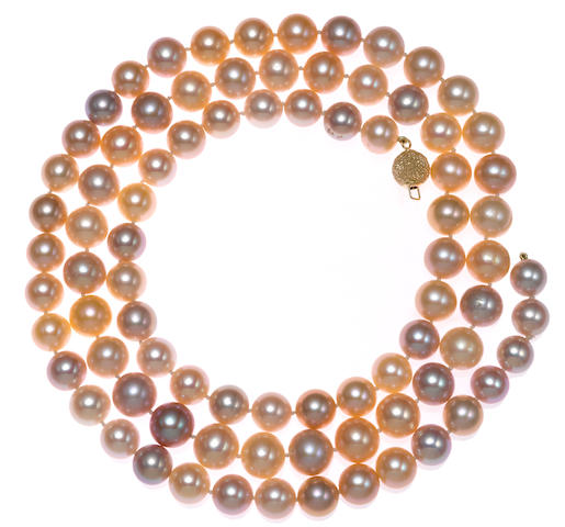 A colored cultured pearl necklace
