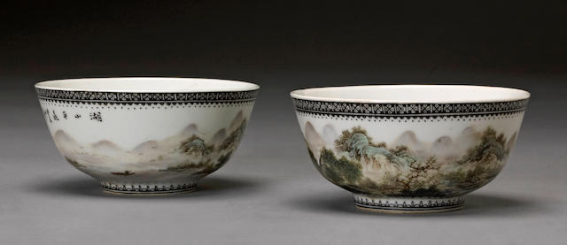 A pair of black and famille rose enameled porcelain bowls Signed Xiong Xiaofeng (1914-1996)