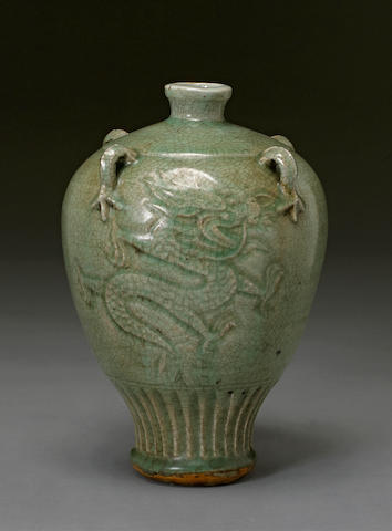 A Zhejiang celadon glazed porcelain jar Qing dynasty, made for the Southeast Asian market