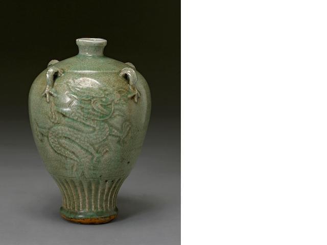 A Zhejiang celadon glazed porcelain jar Ming/Qing dynasty