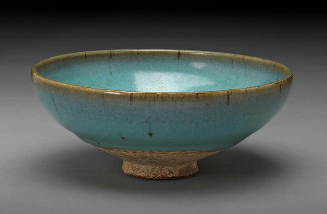 A Junyao glazed stoneware bowl bowl  Yuan dynasty