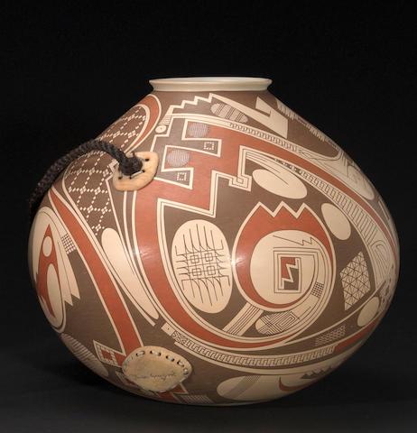 A Casas Grandes polychrome jar