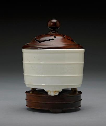 A Dehua porcelain cylindrical tripod censer 17th century