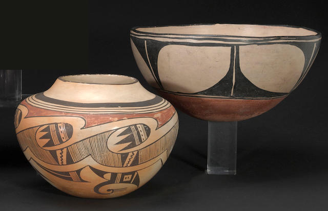 Two Pueblo vessels