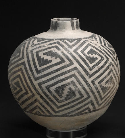 An Anasazi black-on-white olla