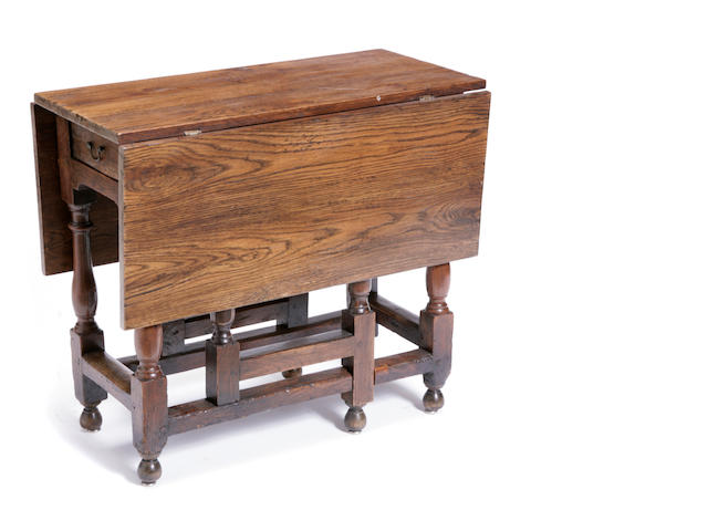 A William and Mary oak gateleg table
