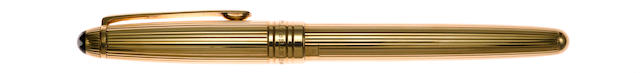 MONTBLANC: Meisterstück Solitaire 144 Solid 18K Yellow Gold Fountain Pen