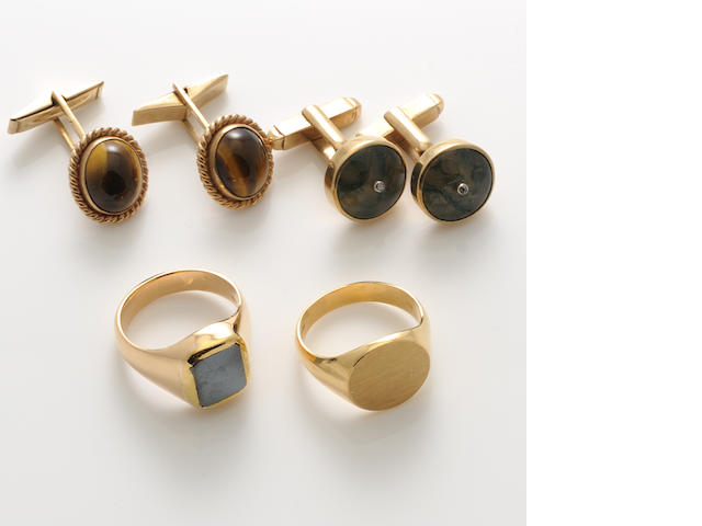 A group of tiger's eye, hardstone, 9k gold and gold jewelry