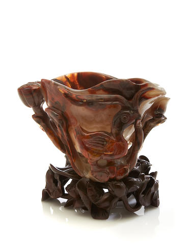 A lotus and ducks agate vessel