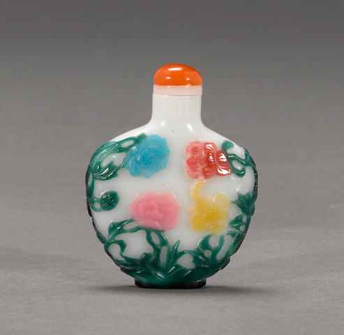 An eight color overlaid glass snuff bottle 1880-1940