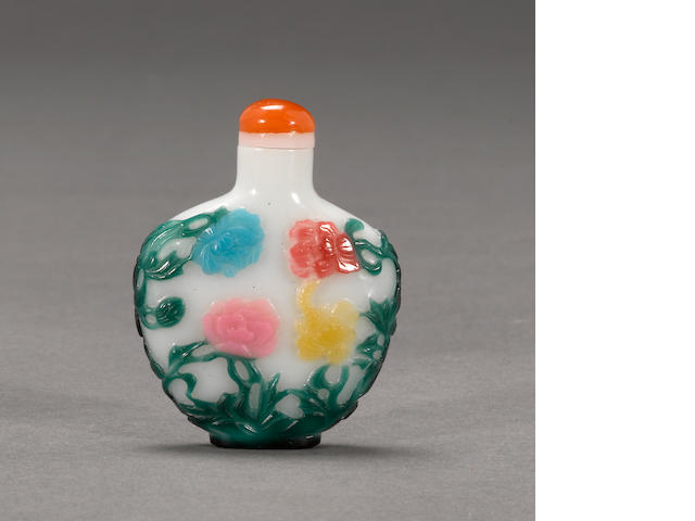 A  eight color overlaid glass snuff bottle 1880-1940
