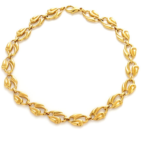 An 18k gold fancy link necklace
