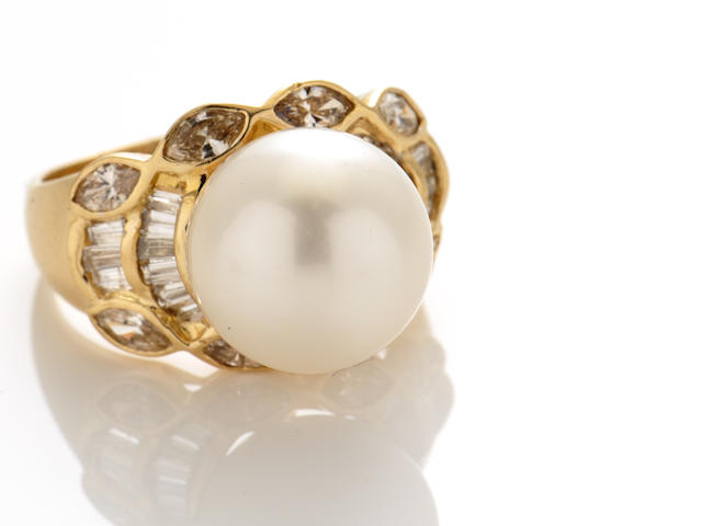 A South Sea cultured pearl, diamond and 14k gold ring