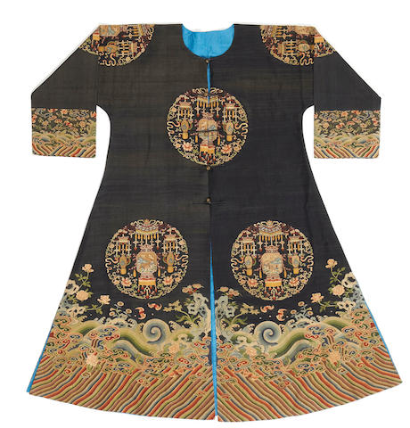 A woman's kesi-woven silk informal robe