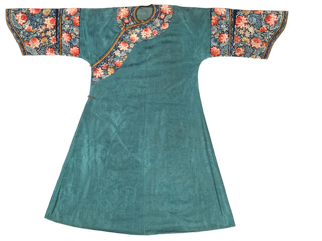 A Manchu noblewoman's green brocade gauze summer informal robe with embroidered trim, danpao Late 19th century