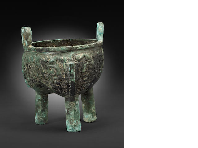 A tripod bronze ritual food vessel, li-ding  Late Shang dynasty, 11th century BCE
