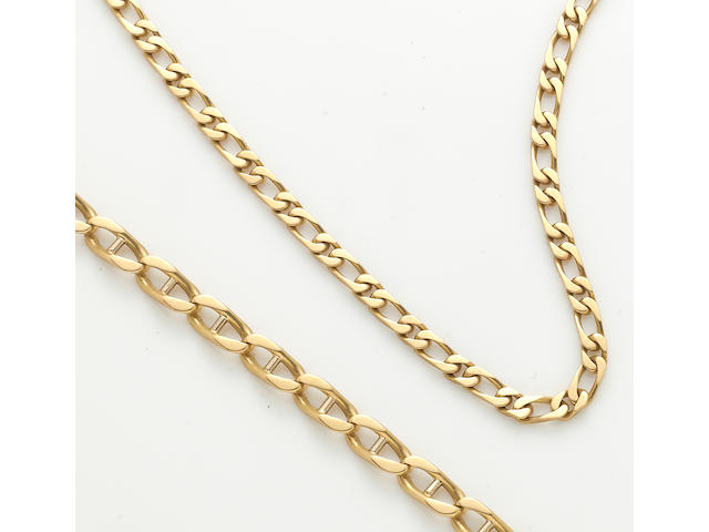 An 18k gold link chain necklace and bracelet
