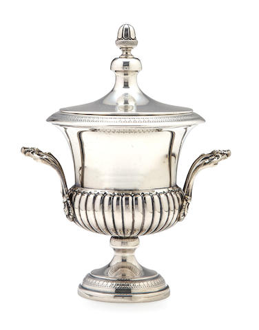 A Continental 800 standard silver Campaniform covered urn with acorn finials, height 9in, weight 20oz, marks rubbed