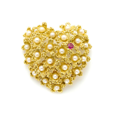 A cultured pearl, ruby and 18k gold heart brooch,