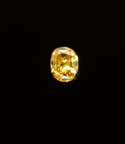 Fancy Vivid Orangy Yellow Diamond