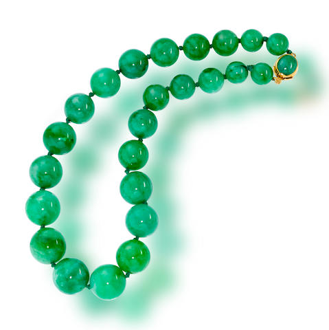 A jadeite jade necklace