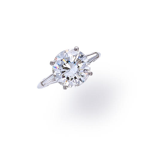 A diamond solitaire
