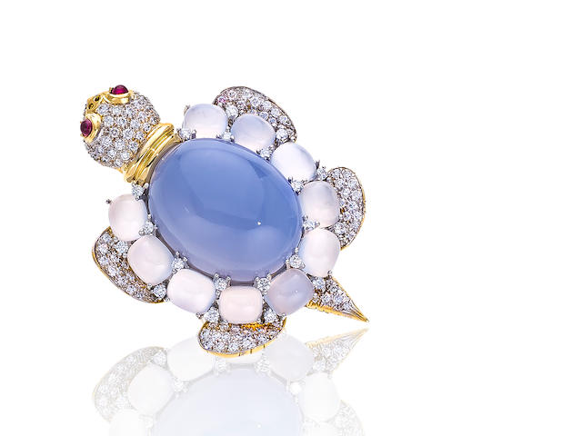 A diamond and chalcedony brooch, Valentin Magro