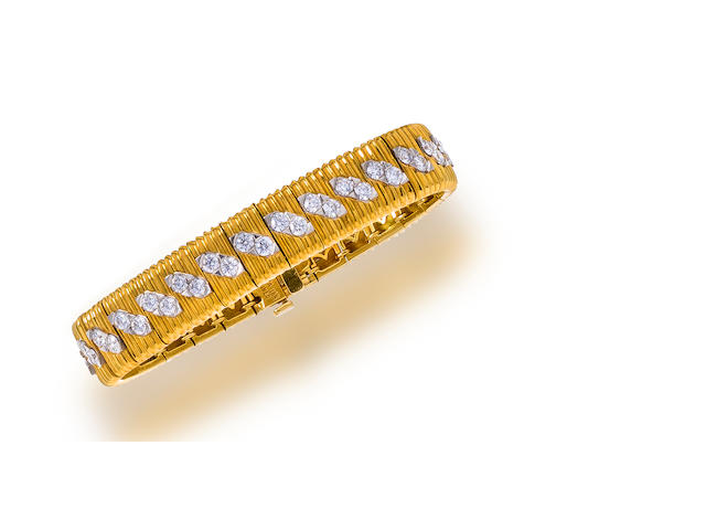 An eighteen karat gold, diamond and platinum bracelet, Bodanza