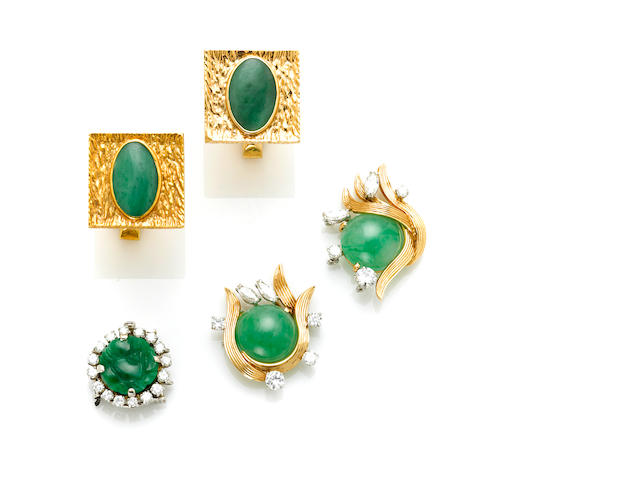 A pair of 14 karat gold and jadeite cufflinks; A jadeite, 18 karat gold, platinum and diamond necklace findings, Ruser; A carved jadeite, round brilliant cut diamond and 14 karat white gold clasp (nature of jade not determined