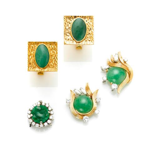 A pair of 14 karat gold and jadeite cufflinks; A jadeite, 18 karat gold, platinum and diamond necklace findings, Ruser; A carved jadeite, round brilliant cut diamond and 14 karat white gold clasp (nature of jade not determined