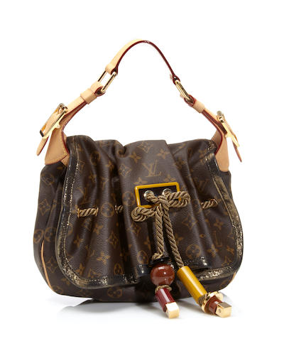 A Louis Vuitton monogram Kalahari handbag