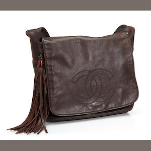 A Chanel brown leather shoulder bag