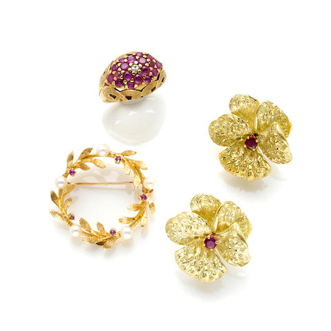 A lot of gem-set and gold jewelry; comprising a pair of flower earrings, a brooch and a ring