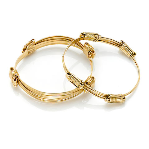 A pair of 14k gold bangles