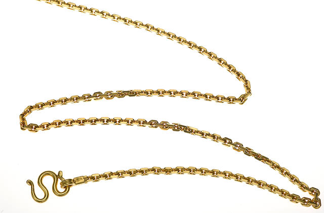 A high-karat gold cable link necklace