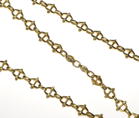 An 18k gold modified mariner link necklace