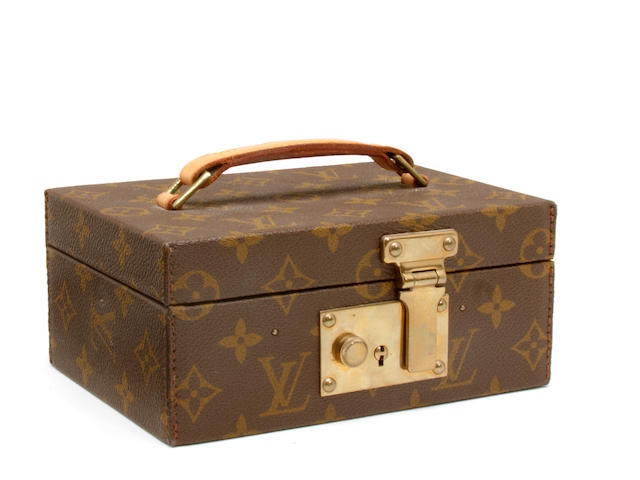 A small Louis Vuitton jewelry case