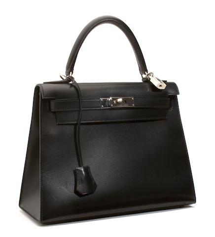 An Hermès black leather Kelly handbag