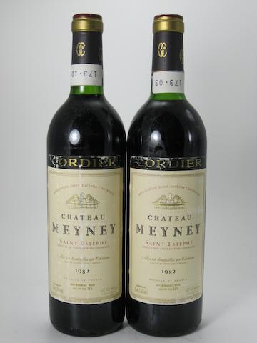 Château Meyney 1982 (12)