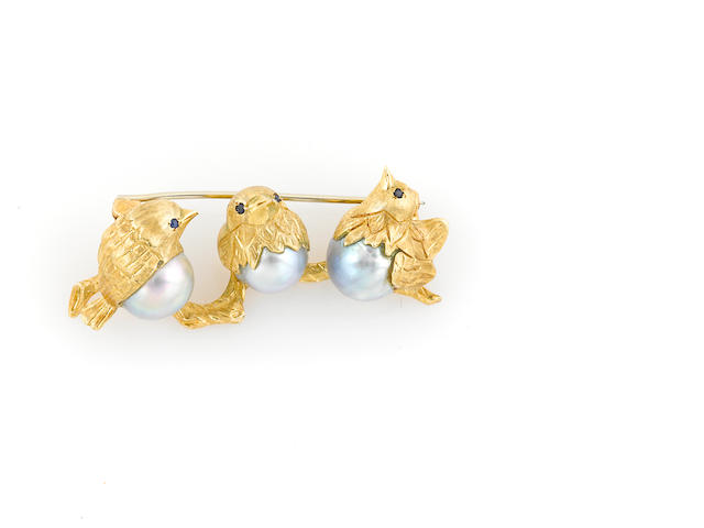 A colored cultured pearl, sapphire and 18k gold three bird brooch