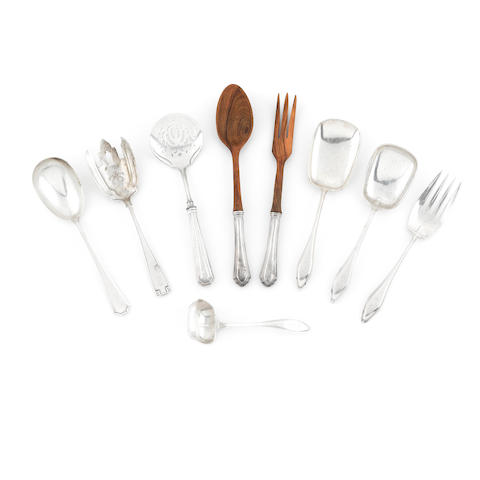 An assembled group of American  sterling silver serving flatware late 19th / 20th century