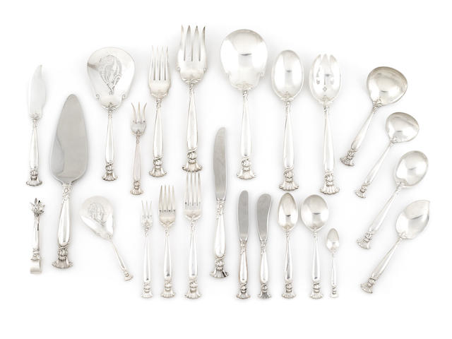 An American sterling silver flatware service for twelve, Wallace Silversmiths, Romance of the Sea pattern, 128 pcs