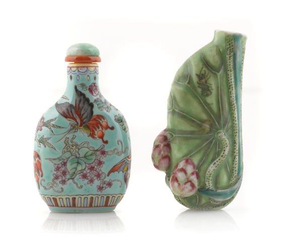 A group of two Chinese porcelain snuff bottles